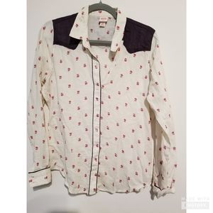 Western inspired womens buttoned up shirt